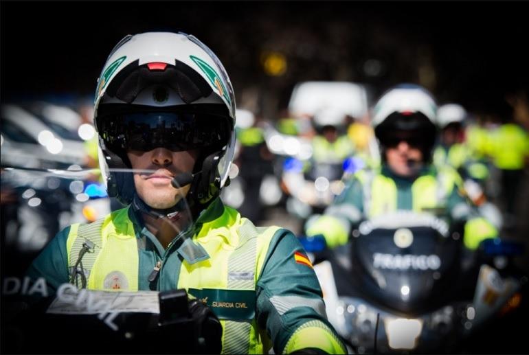 Agentes motorizados de la Agrupación de Tráfico de la Guardia Civil