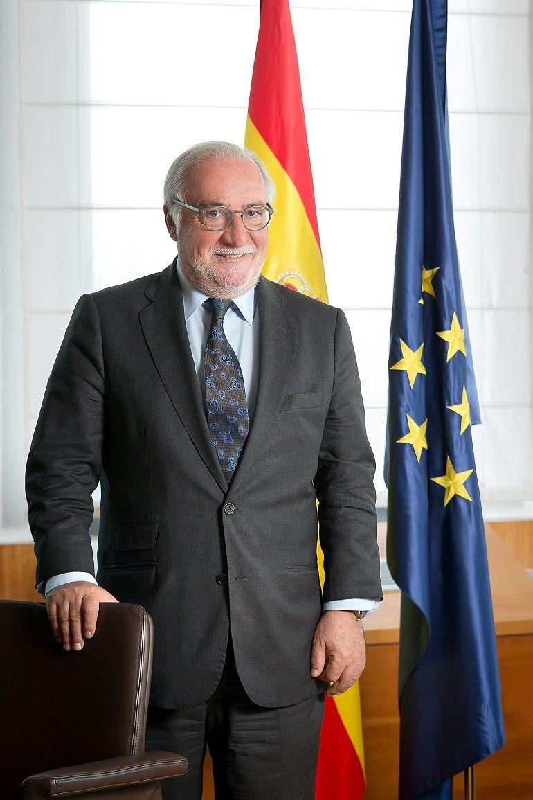 Pere Navarro Olivella, en su despacho de la DGT