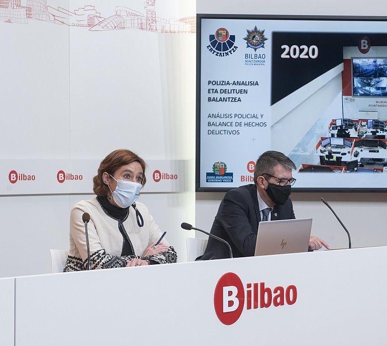 Amaia Arregi Romarate y Josu Zubiaga presentan el balance de delitos Bilbao 2020